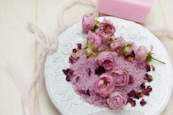 Duschpeeling mit Blüten